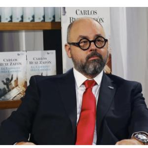 Biografia de Carlos Ruiz Zafon